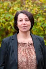 Photo officielle de Isabelle Le Saint, cinquième adjointe à la Mairie de Saint-Pair-sur-Mer et chargé du cadre de vie et des aménagements urbains