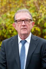 Photo officielle de Jean Lemoigne, quatrième adjoint à la Mairie de Saint-Pair-sur-Mer et chargé des finances